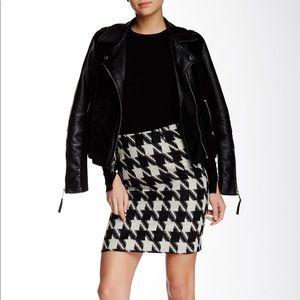 AMANDA + CHELSEA • Black White Houndstooth Skirt